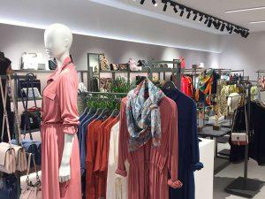Descubre cómo desarrollamos los últimos conceptos de tienda de Parfois - V6.2 Maniquí ropa