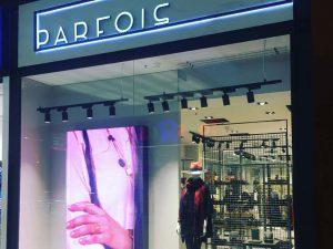 5 claves para diseñar el escaparate y la fachada de tu tienda de moda - Parfois (Multimedia)