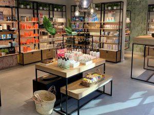 Ventajas contratar a un interiorista comercial profesional para tu tienda - Herb and Be