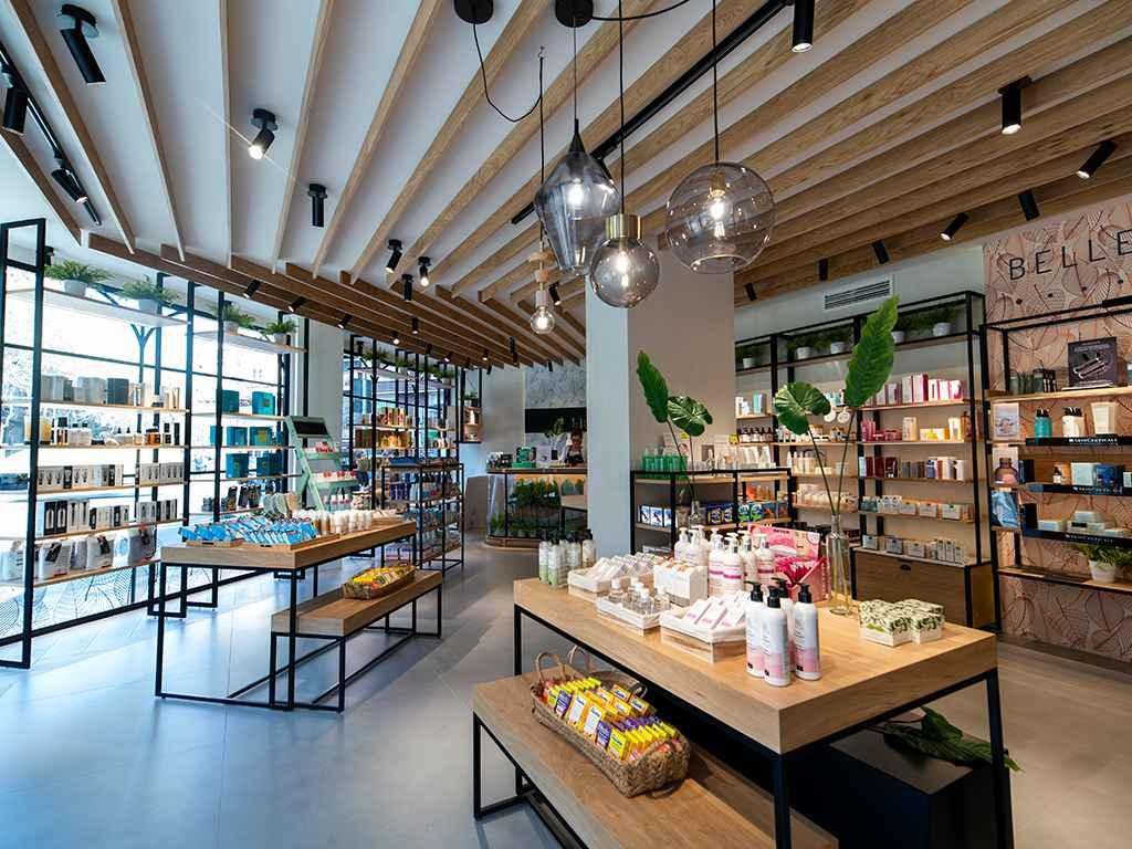Cómo idear el diseño de una tienda de moda post-COVID - Her & Be (Espacio central 2)